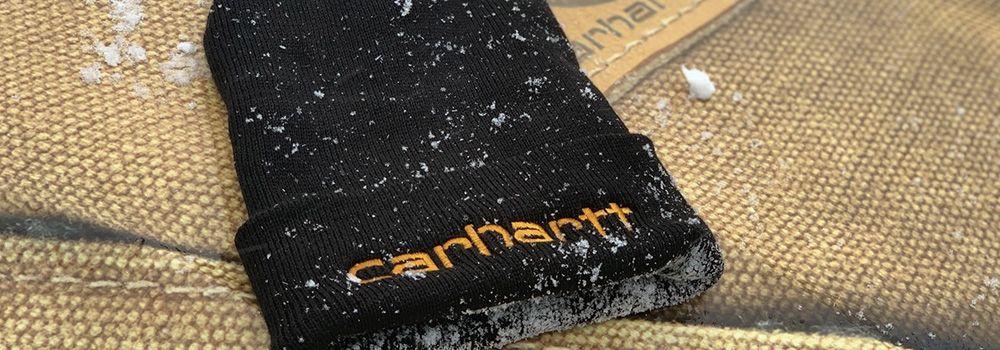 Carhartt hue med sne på - Det rullende prøverum Innos Tools bil - Workwear on Wheels