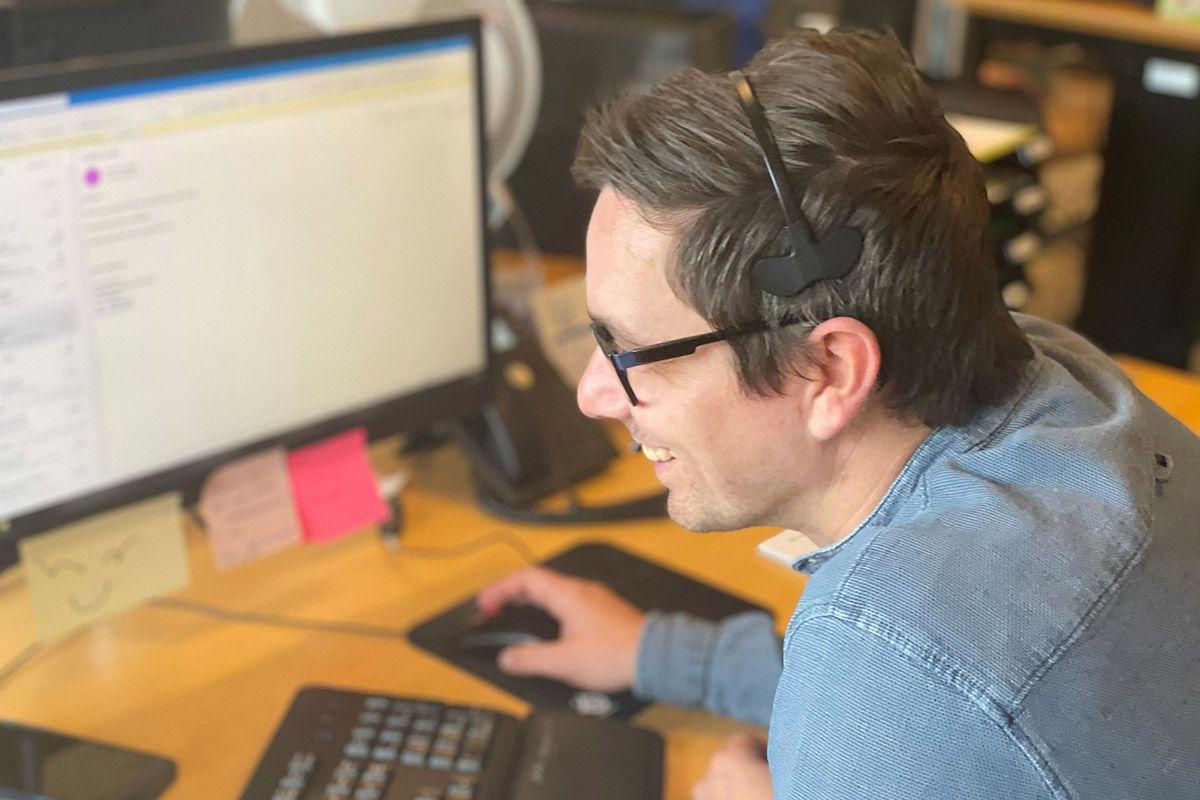 René Andersen booking hos Innos Tools, vores bookingafdeling ringer ud og booker møder for vores værktøjs- og arbejdstøjskonsulenter